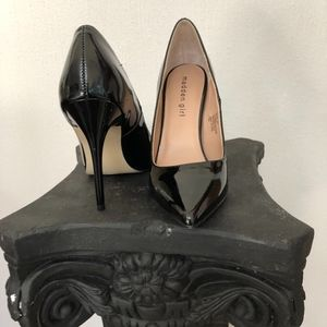 Black Patten Leather Madden Girl Pumps